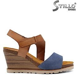 Дамски ежедневни сандали на платформа - 33041