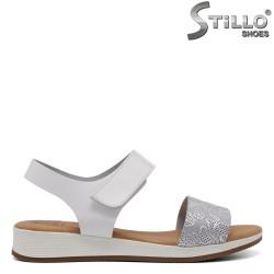 Дамски равни сандали - 33042