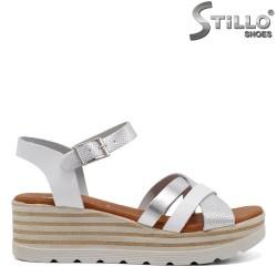 Дамски сандали на платформа - 33043