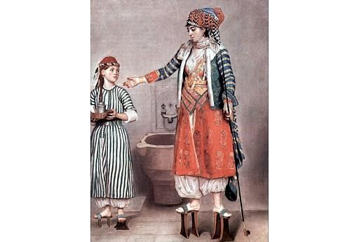 Страшно неудобните обувки на средновековните жени