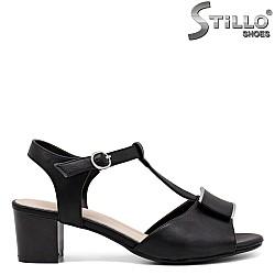 Дамски сандали на среден ток - 30709