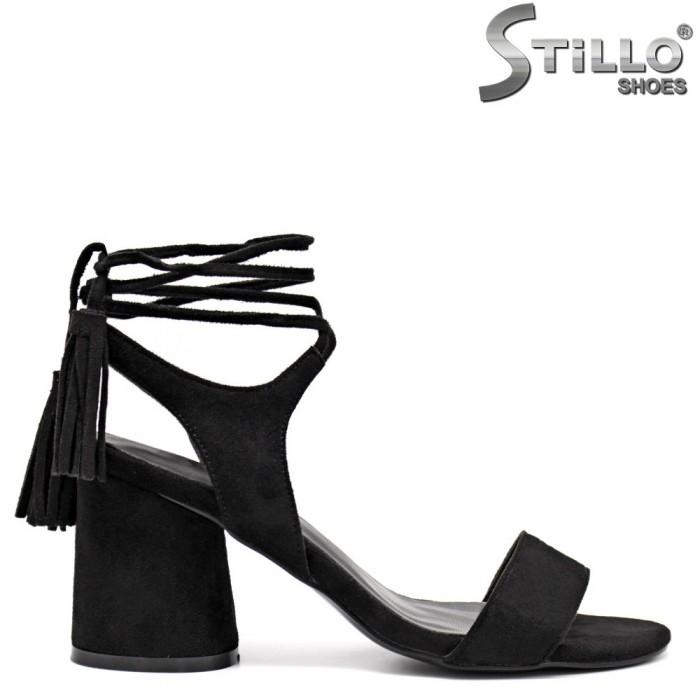 Дамски сандали с пискюли - 31333