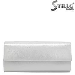 Кокетна абитуриентска чанта в перлено бяло - 31973