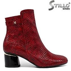 Червени дамски боти от кроко лак - 34110