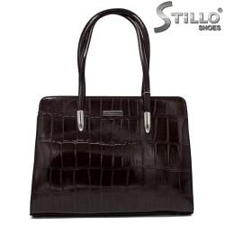 Кафява лачена чанта с щампа - 34149