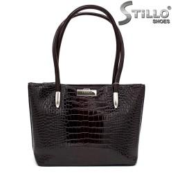 Кафява дамска чанта с крокодилска щампа - 34150