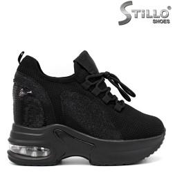Спортни обувки на скрита платформа с пайети - 34187