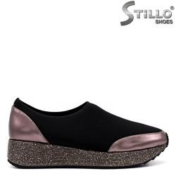 Спортни обувки в черен стреч и камъчета - 34232