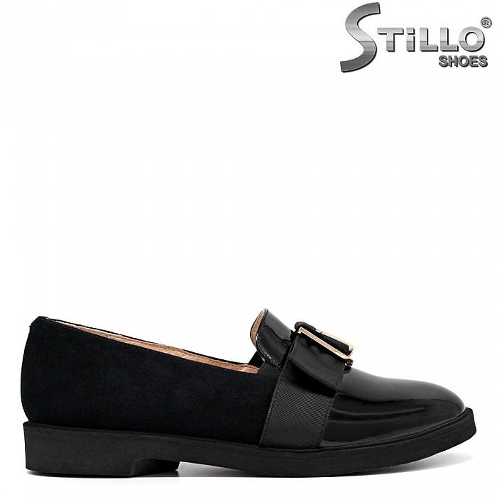 Ежедневни обувки във велур и лак на ниско токче  - 34235