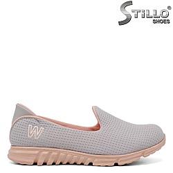 Дамски спортни обувки в сиво и розово - 34286