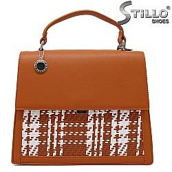 Кафява дамска чанта с капак - 34314