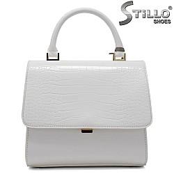 Малка дамска чанта в бяло - 34338