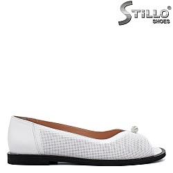 Бели пролетни обувки с отворени пръсти - 34369
