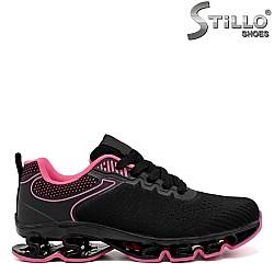 Cпортни маратонки в черно и циклама -  34380