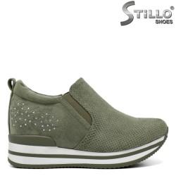 Зелени велурени обувки на платформа - 34389