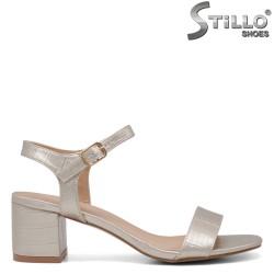 Дамски сандали в златист кроко принт - 34396