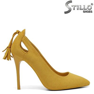 Велурени жълти обувки на тънък ток - 34409