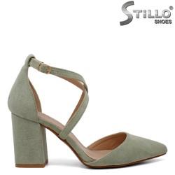 Зелени велурени обувки на ток - 34415