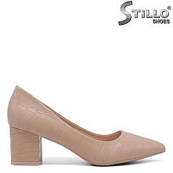Дамски обувки в розов кроко принт - 34420