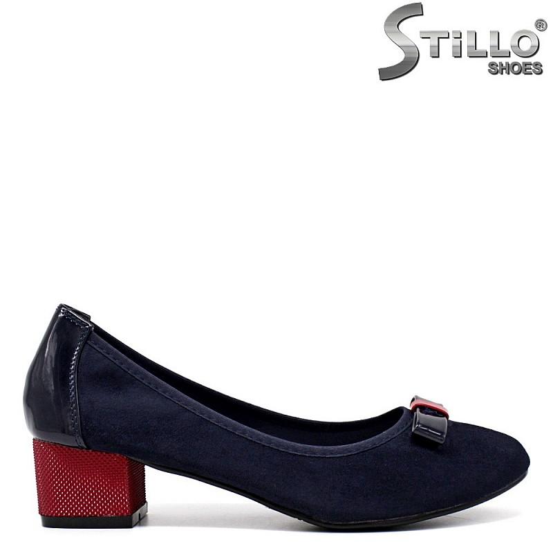 Сини велурени обувки на нисък ток - 34432