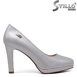 Сиви обувки на висок ток и ниска платформа - 34458