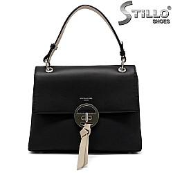 Черна дамска чанта с метална закопчалка - 34485