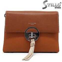 Дамска чанта в карамелено кафяво -34488