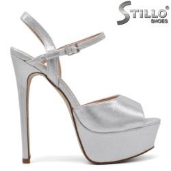 Сребърни абитуриентски сандали на висок ток и платформа - 34508