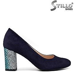 Велурени сини обувки на ефектен ток - 34575