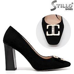 Елегантни обувки от естествен велур - 34576