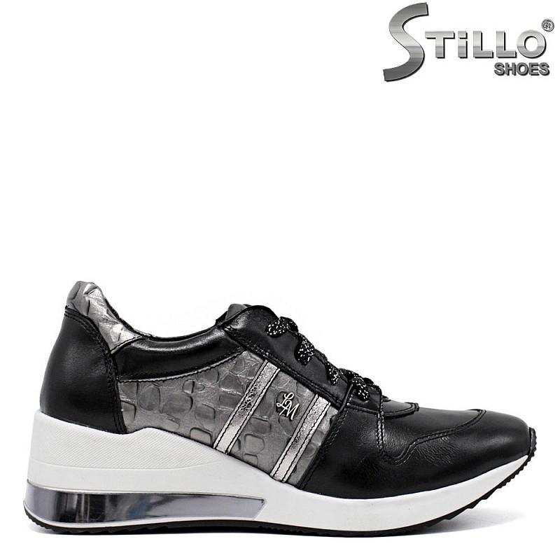 Дамски обувки в черна кожа на средна платформа - 34582