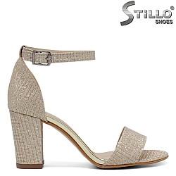 Официални сандали на ток в златен брокат - 34594