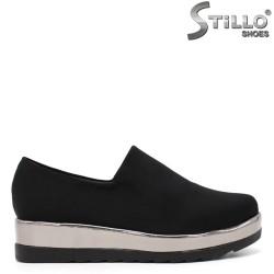 Обувки на средна платформа в стреч сатен - 34620