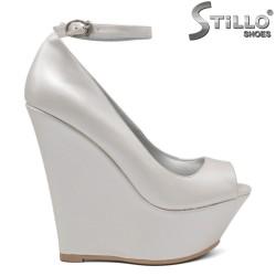 Дамски обувки на платформа - 34659