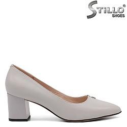 Елегантни обувки в сиво - 34661