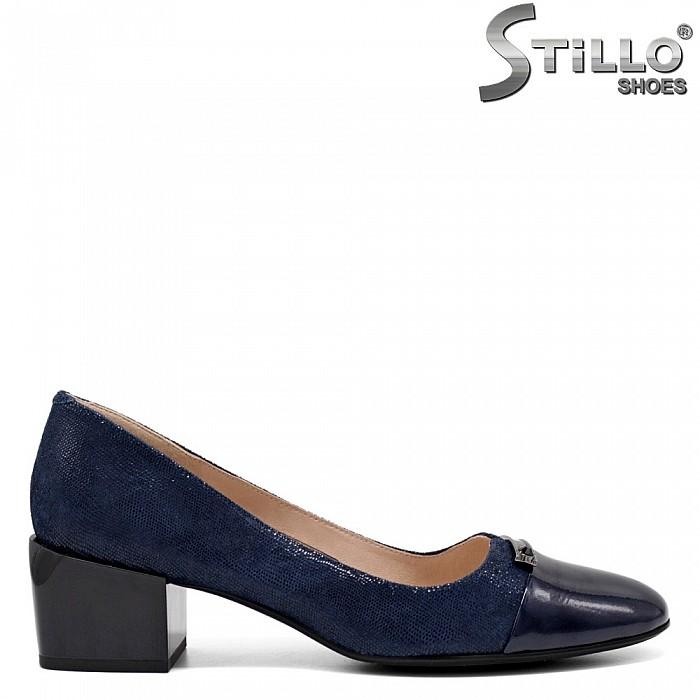 Сини обувки на ток от щампиран велур - 34671