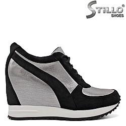 Спортни обувки в сребристо и  черно - 34690