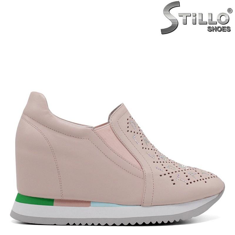 Спортно-елегантни обувки от естествена кожа - 34700