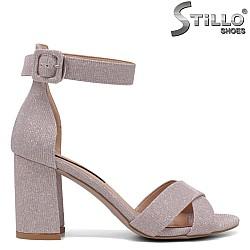 Елегантни розови сандали на дебел ток - 34722