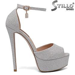 Дамски сандали в сребро на платформа - 34723