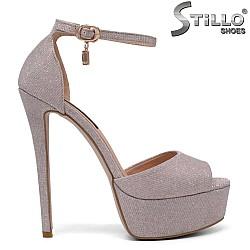 Дамски сандали в розов брокат на ток - 34727