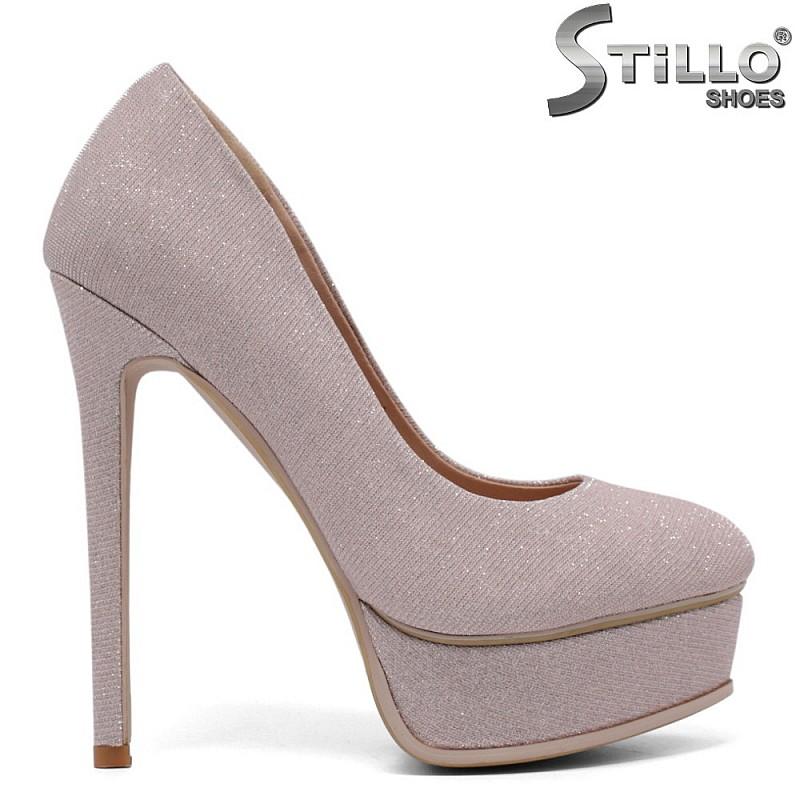 Абитуриентски обувки в розово на висок тънък ток - 34728