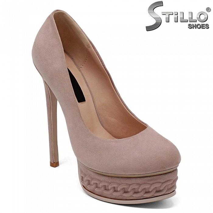 Розови велурени обувки в цвят пепел от рози - 34730