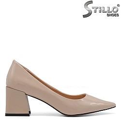 Остри обувки на квадратен ток - 34738