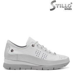 Естествена кожа бели спортни обувки - 34765