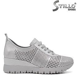 Спортно-елегантни обувки на платформа - 34770