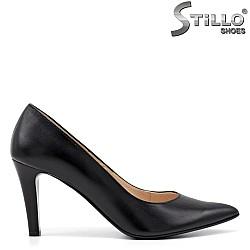 Елегантни дамски обувки от естествена кожа - 34796
