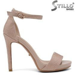 Велурени сандали с камъчета на висок ток и платформа - 34819