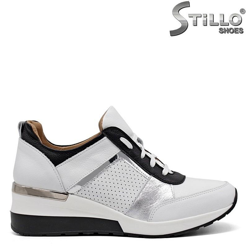 Кожени спортни обувки в бяло и черно - 34838