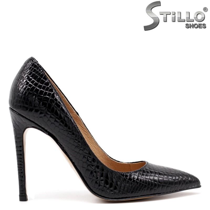 Модни обувки в кроко лак - 34839